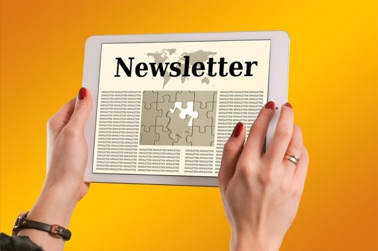 employee-experience-using-newsletters-768x510